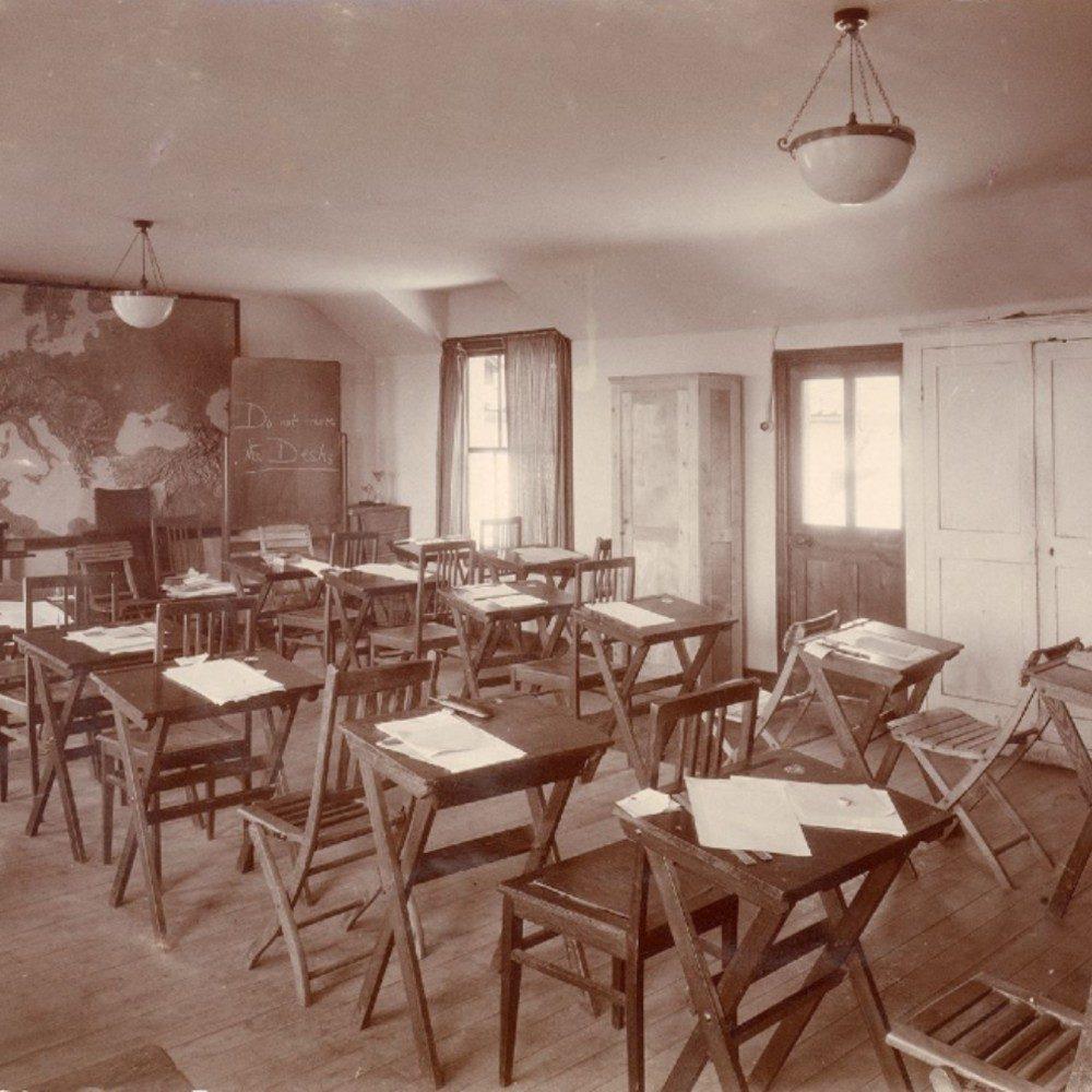 Historical classroom photo