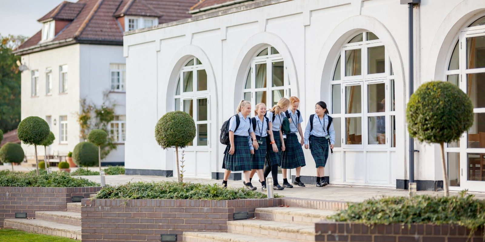 Life at Downe House girls outside